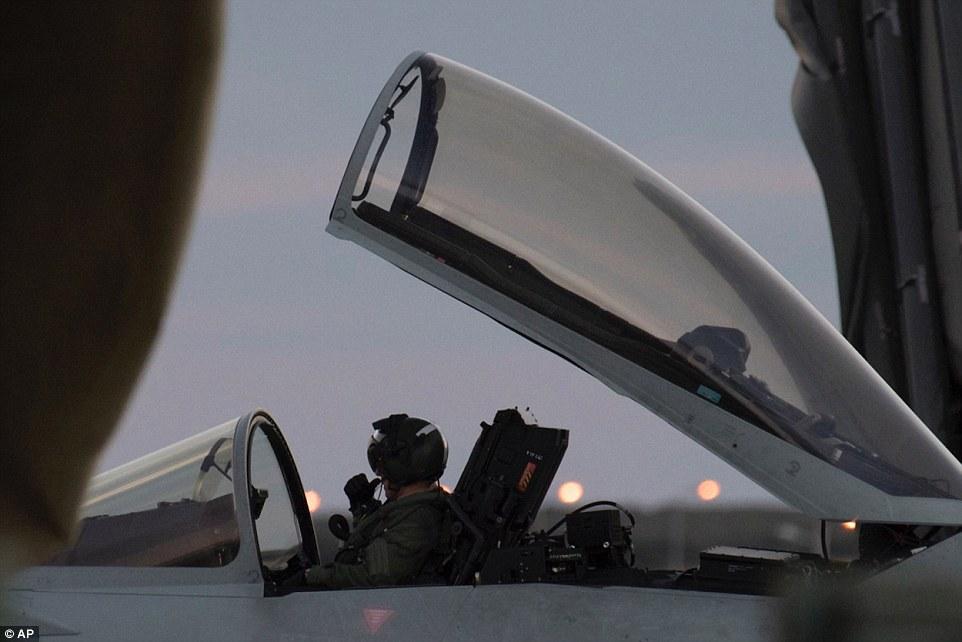 Британия планирует нанести удар по Сирии с территории Кипра