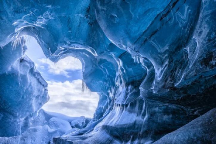 В Антарктиде обнаружена зага…