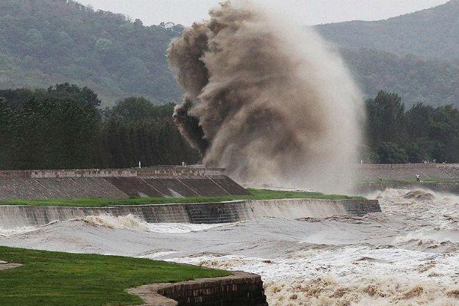 Самая большая приливная волна в мире: видео