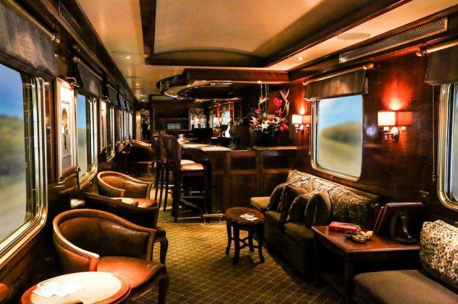 Незабываемое путешествие-экскурсия на поезде, который больше похож на шикарный отель
