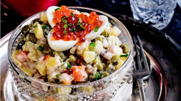 «Оливье»: голливудский, советский, «космический» и еще 7 оригинальных рецептов салата