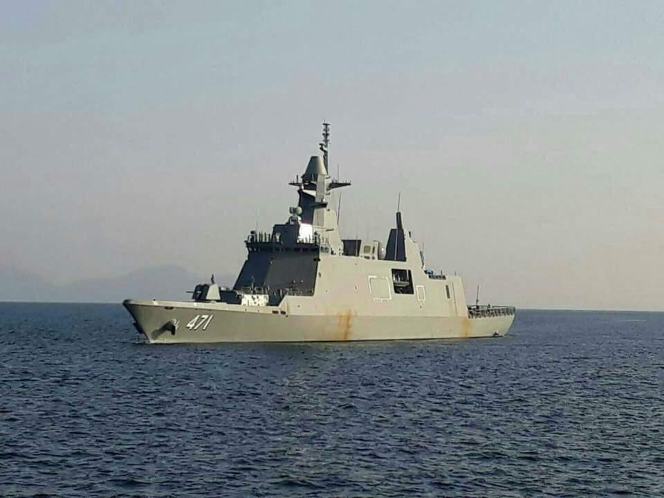 Новый таиландский фрегат в море