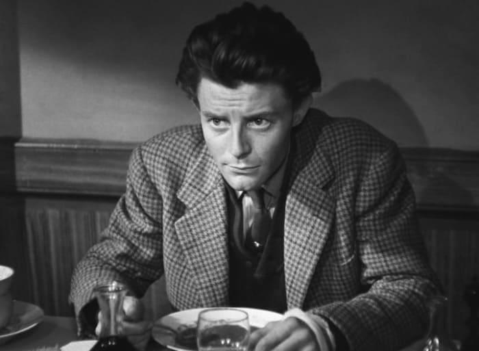 Жерар Филип в фильме *Такой прелестный маленький пляж*, 1949   Фото: kino-teatr.ru