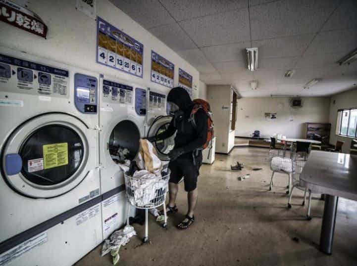 В прачечной зона отчуждения, радиоактивная зона, фото, фукусима, япония