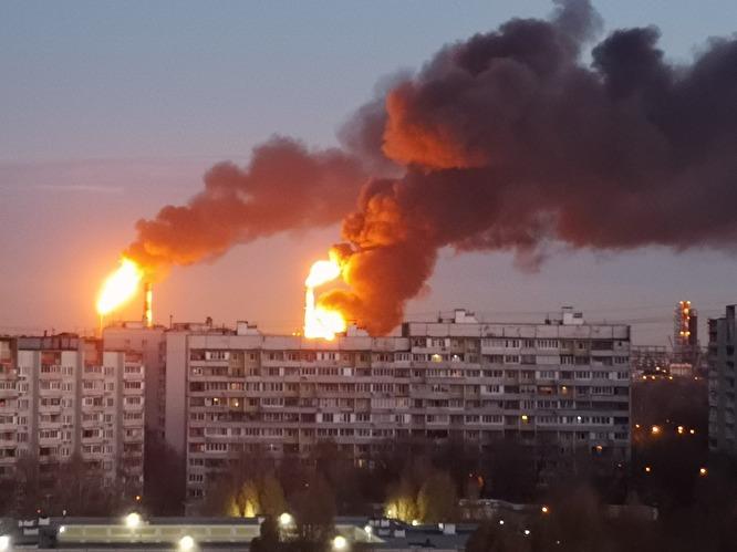 В Москве горит нефтеперераба…