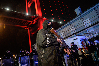 По подозрению в причастности к стамбульскому теракту задержаны восемь человек