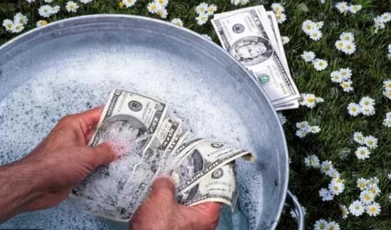 """«Укрзализныце» и вышиванки, или Как """"отмыть"""" деньги в Незалежной"""