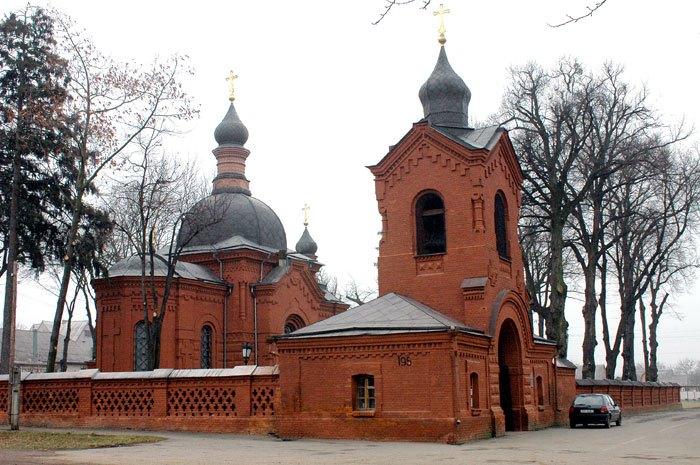 Церковь-некрополь, в которой находится саркофаг Н. Пирогова | Фото: avto-city.com.ua