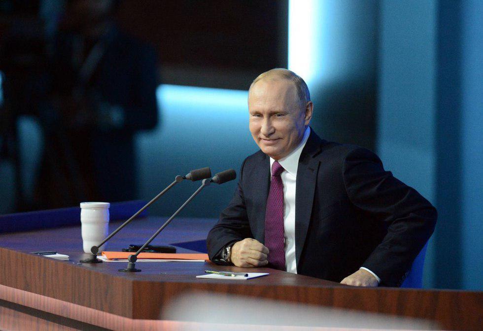Путин об отказе от доллара: на гражданах это не скажется