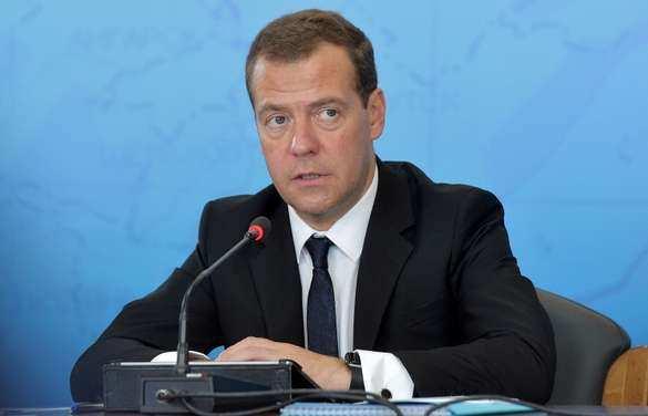 Медведев: около трети всех энергоресурсов России сжигается впустую