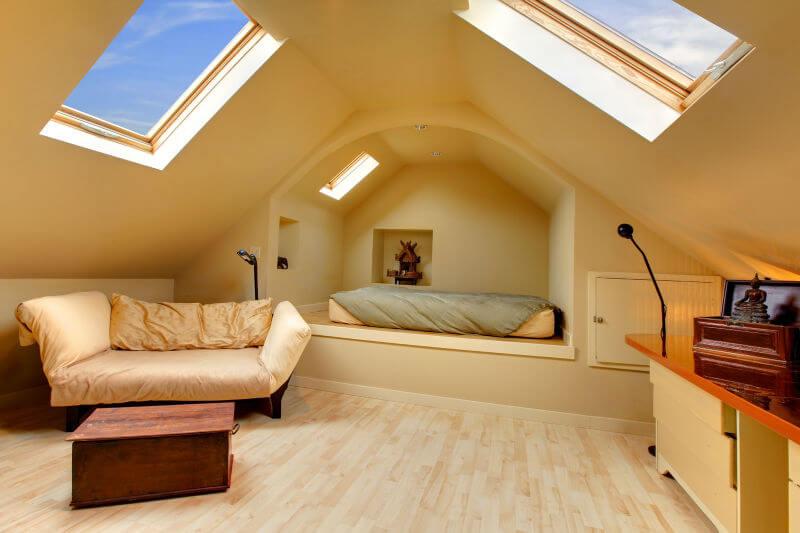 Мансарда: фото-идеи оригинальных, красивых и практичных жилых комнат под крышей дома