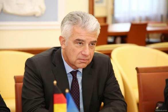 Утром выборы, вечером границы: Посол Германии напомнил Киеву опорядке исполнения Минских соглашений
