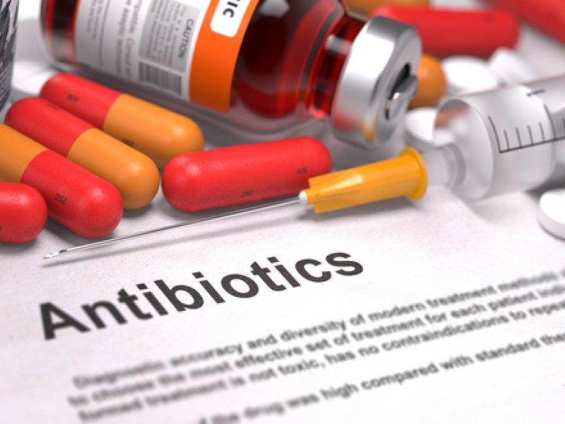 Почему антибиотики нельзя назначать и принимать бесконтрольно?