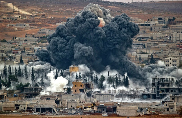 Курды считают, что авиаудары поАфрину наносились содобрения России