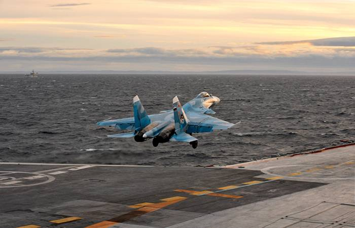 """На авианосце проекта """"Шторм"""" смогут базироваться до 90 самолетов и вертолетов"""