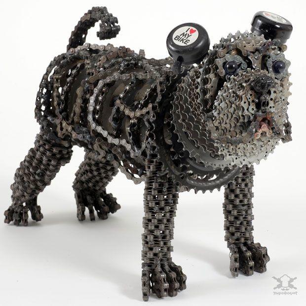 Художница, создающая собак из велосипедных цепей