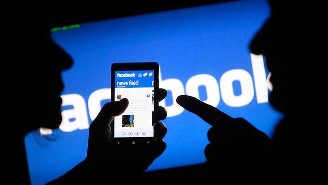 Facebook сметает все фейковые страницы. Реакция Кремля