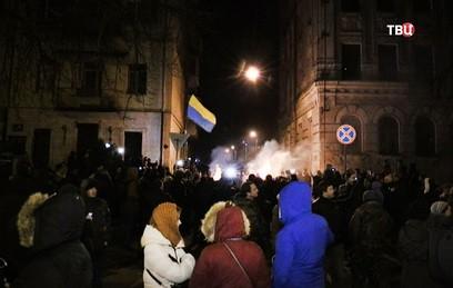 Сторонники Саакашвили окружили СИЗО, где содержится политик