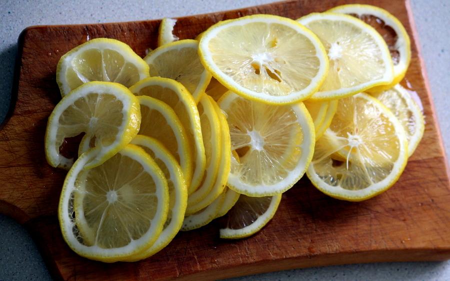 Квасим не по-детски. Квас лимонный и клубничный