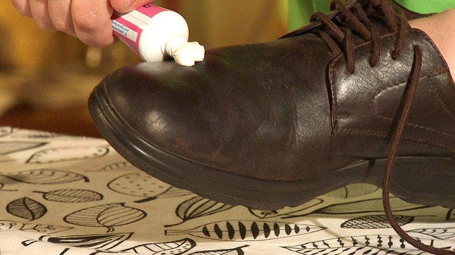 Восстановление кожи на обуви