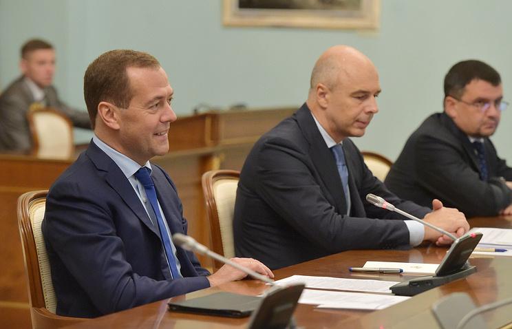 Медведев: российская экономика стала менее зависима от внешних шоков