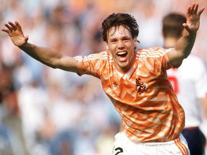 Гол ван Бастена в ворота сборной СССР признан лучшим в истории УЕФА