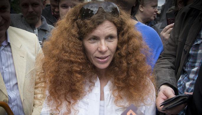 Юлия Латынина сообщила о высокой токсичности вещества, которым был облит ее дом