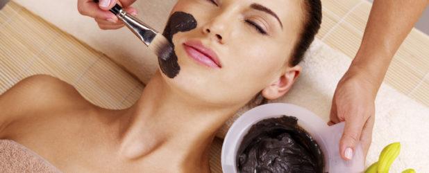 Чем поможет активированный уголь в борьбе за красоту кожи