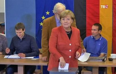"""Провальная победа Меркель: Германию ждет """"ямайская"""" коалиция"""
