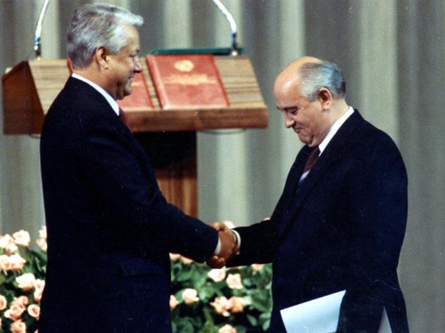 Горбачёв и Ельцин готовили путч вместе, имитируя противостояние