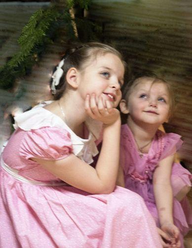 Почему старшие дети не должны быть няньками младшим братьям и сестрам. Это серьезно