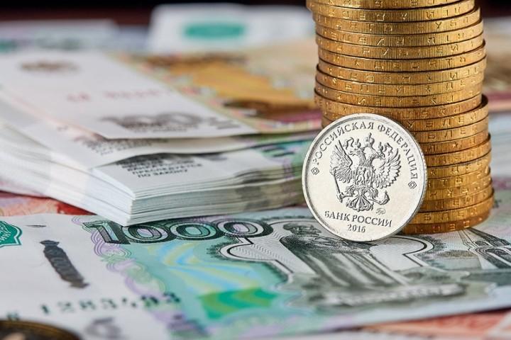 Валюты бывшего СССР: российский рубль и тенге рухнули вслед за нефтью
