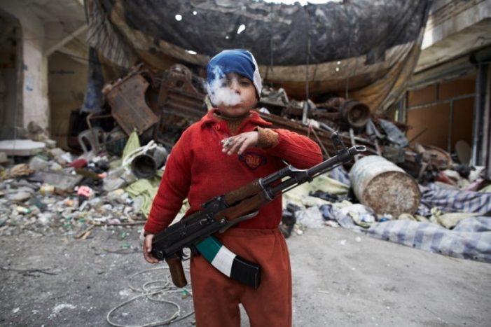 Гитлерюгенд ИГИЛ: Бойцы ЧВК США в шоке от малолетних живых бомб