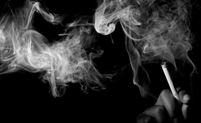 Как избавиться от запаха сигарет в доме