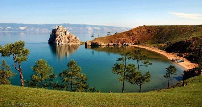 Иностранных туристов привлекают Кубань, Крым и Байкал.
