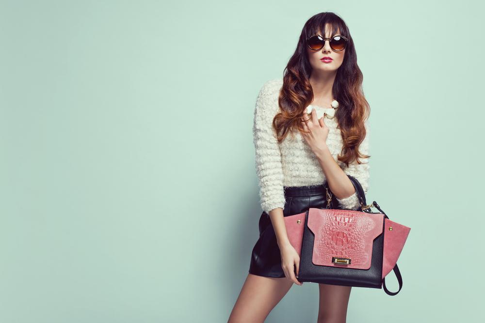 6 причин, почему шутки о женской сумке нас задолбали