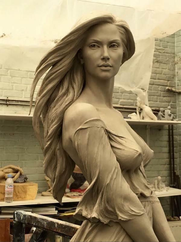 Невероятно реалистичная скульптура