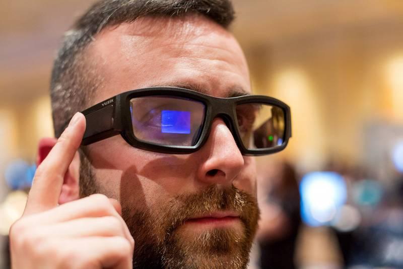 Лучше, чем Google Glass: Vuz…