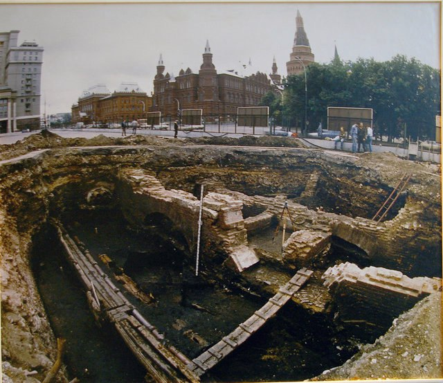 Главный археолог Москвы допустил возможность пересмотра возраста столицы