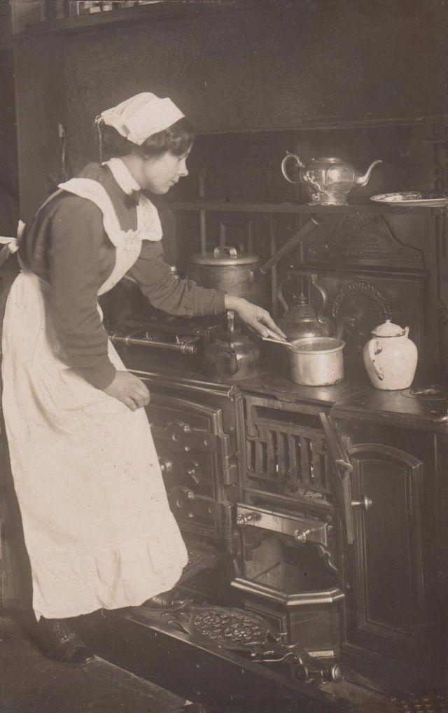 «Раскрепощение прислуги»: как жилось господской прислуге перед революцией