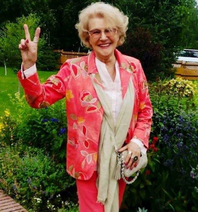 «Афродита!»: 81-летняя актриса Светлана Дружинина показала фото в купальнике
