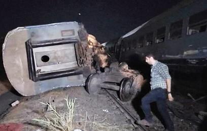 Число погибших при столкновении поездов в Египте возросло до 49