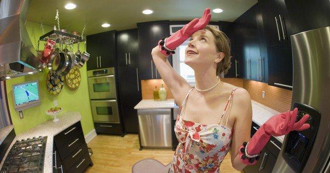 """Женщины , хотите быть холодильником ? ( в догонку  """" о подкаблучниках...)"""