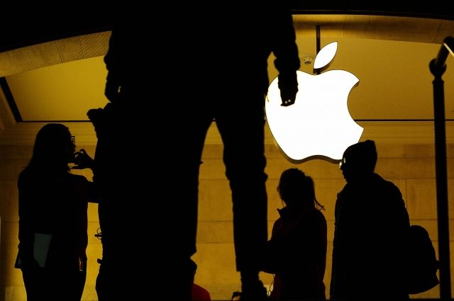 Apple потеряет 10 млрд долларов из-за скандала со старыми iPhone – СМИ