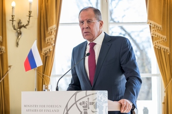 Лавров заявил о намерении Москвы отстаивать георгиевскую ленту за рубежом