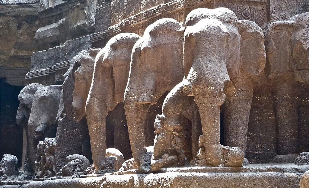 8582602594 df7761181a b Уникальный храм Кайласанатха