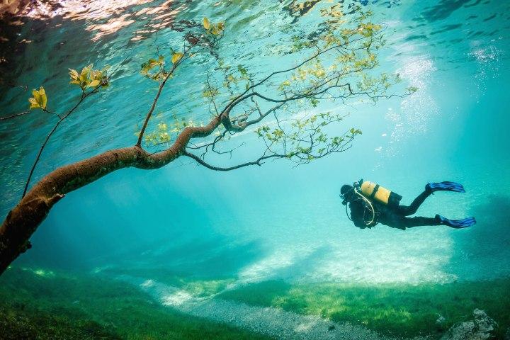 «Ныряльщик в волшебном царстве», Марк Хенор National Geographic Traveler