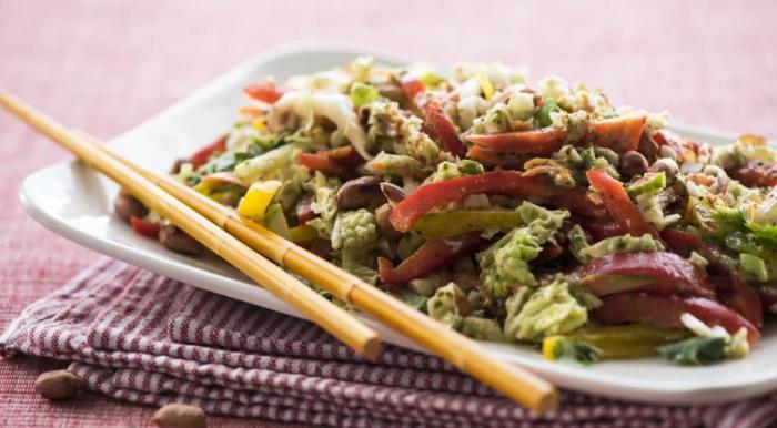 Невероятно вкусный азиатский салат.  Фото: google.ru.