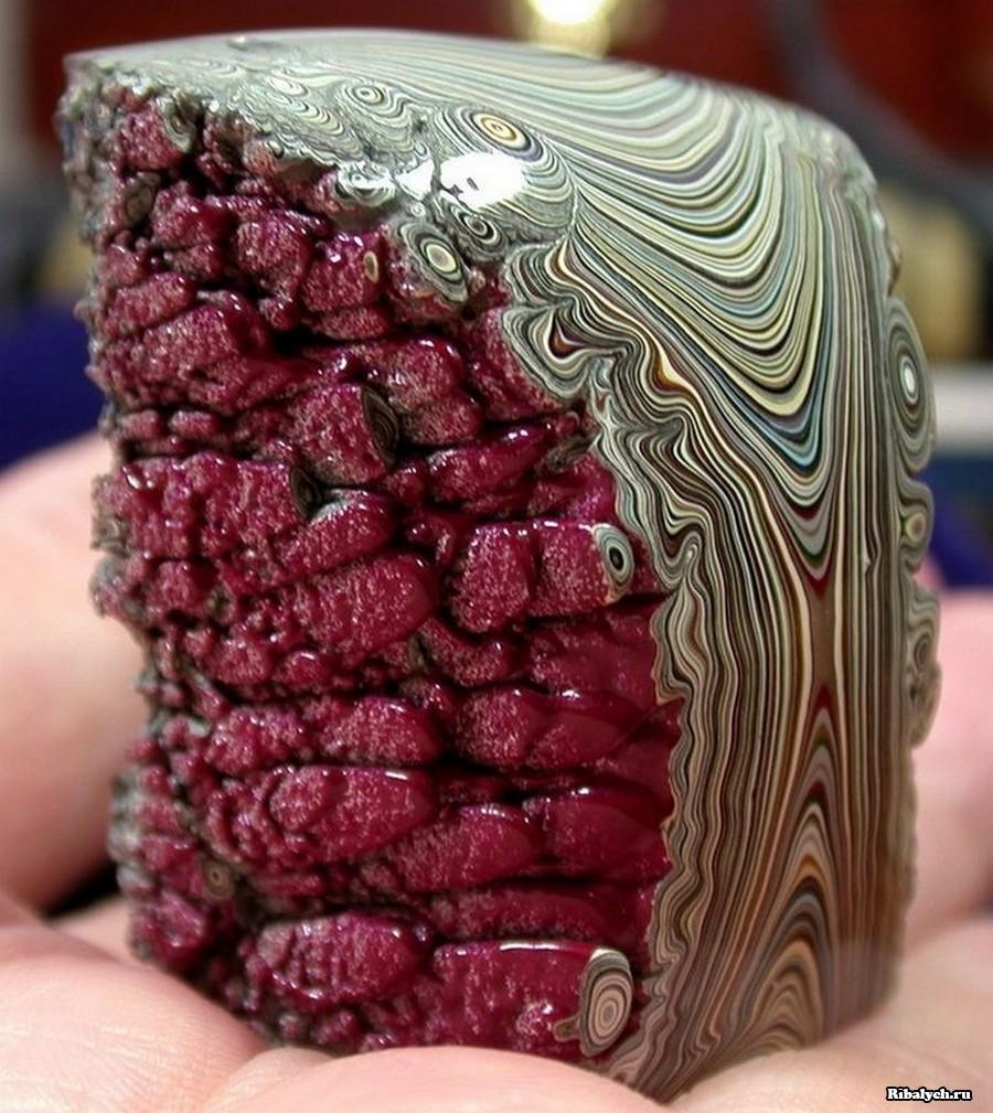 Уникальный минерал фордит, или психоделический детройтский агат