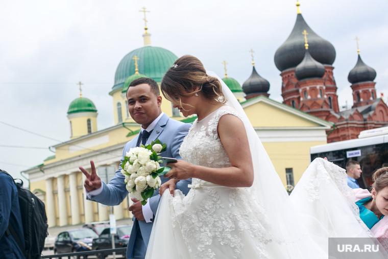 Россиянки перестали стремиться замуж